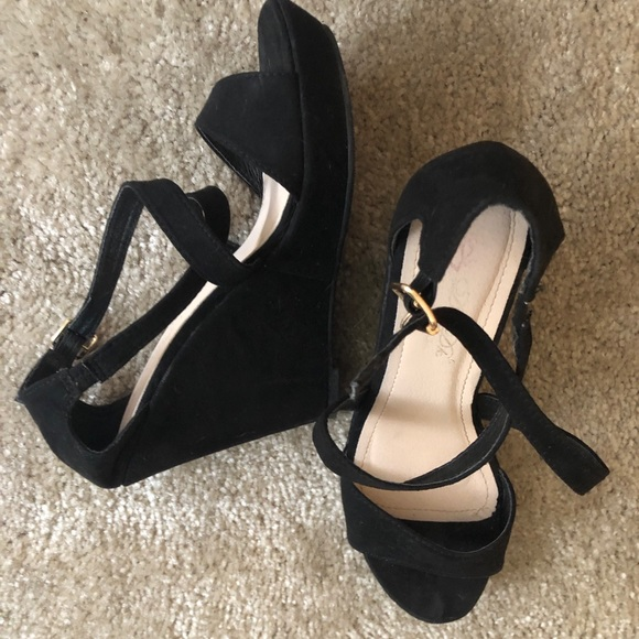be05b29e542 Fashion Nova Shoes - Black Wedges